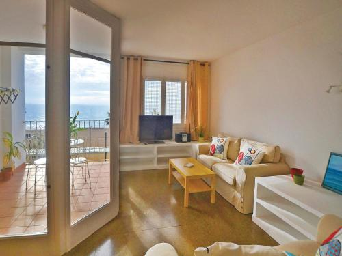 Four-Bedroom Apartment Canet de Mar with Sea View 02