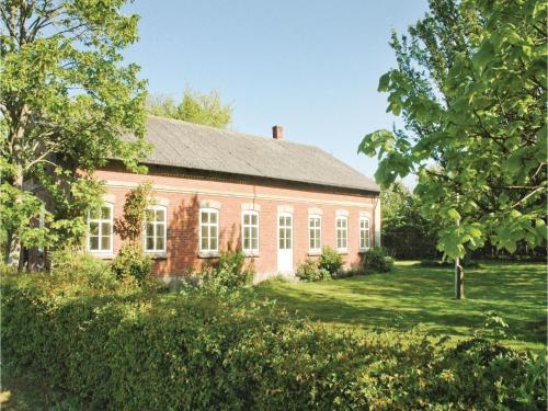 Seven-Bedroom Holiday Home in Bredebro