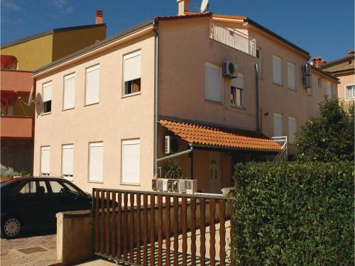 Apartment Gervaisova IV