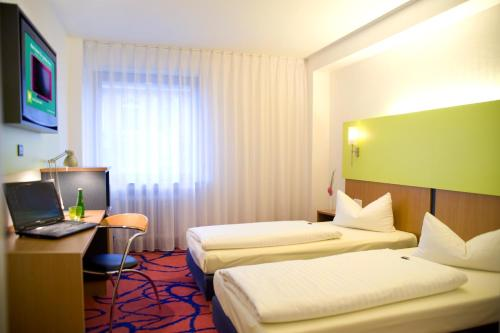 Ibis Styles Frankfurt City photo 24