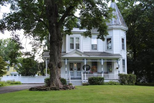 Stonegate Bed & Breakfast