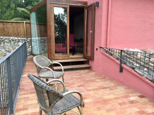 Double or Twin Room with View - single occupancy Mont-Sant 6