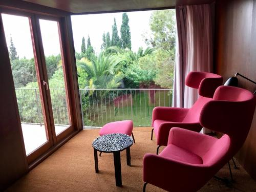 Double or Twin Room with View - single occupancy Mont-Sant 9