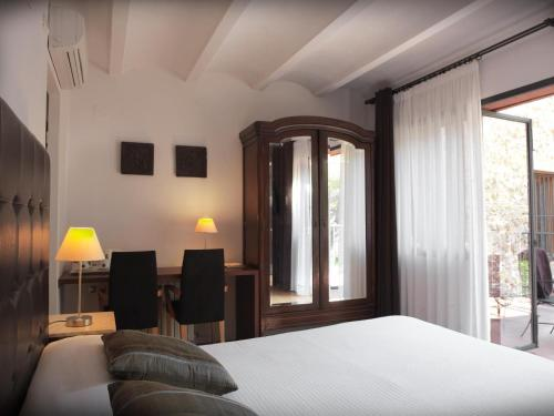 Habitación Doble con vistas - 1 o 2 camas - Uso individual Mont-Sant 1