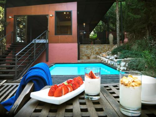 Suite mit privatem Pool Mont-Sant 1