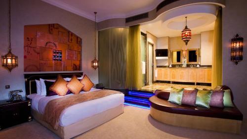 Shangri-La Hotel, Qaryat Al Beri photo 21