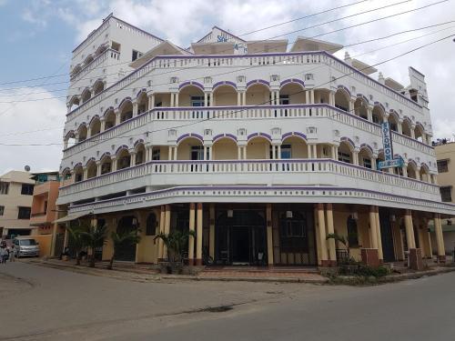 Solomon's Castle Hotel
