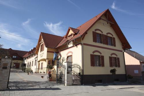 Отель Bock Hotel Ermitage 4 звезды Венгрия