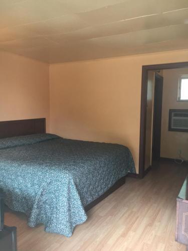 Royal Inn BC 2638455