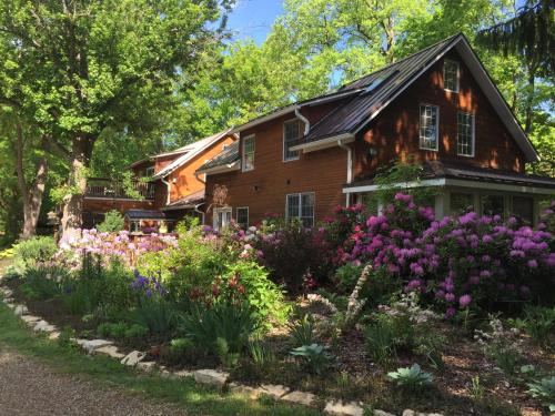 Goldberry Woods B&B and Cottages