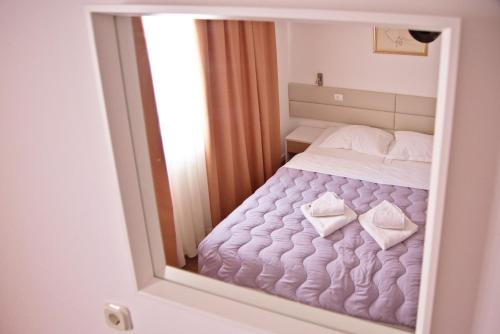 Hotel No-1