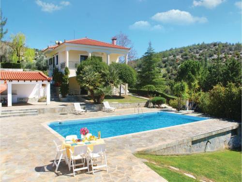 Three-Bedroom Apartment in Eretria Evia