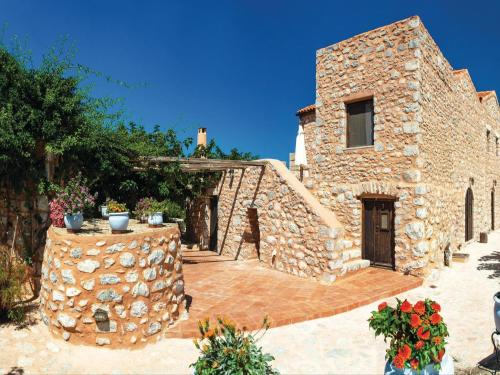 Five-Bedroom Holiday home with Sea View in Pirgos Dirou