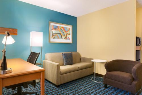 Mais sobre Fairfield Inn & Suites Toledo Maumee