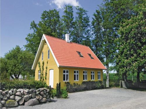 Holiday Home Aakirkeby 01