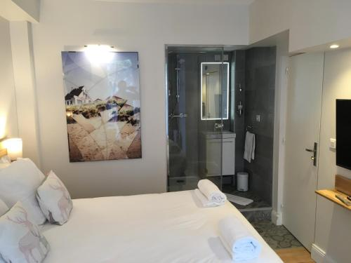 Superior One/Two bedroom Apartment (Jacuzzi + Sauna)
