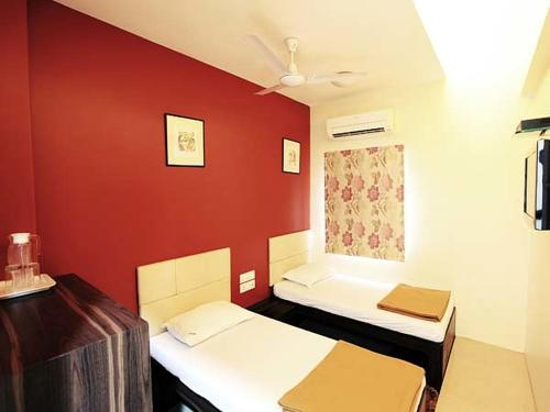 Room Maangta 212 @ Andheri West