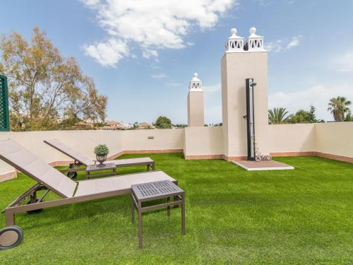 River Garden Spacious Penthouse, Marbella. Reservations online
