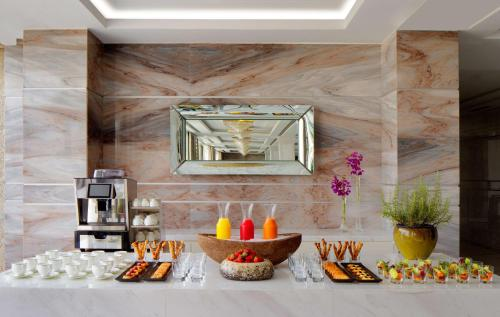 Hyatt Regency Dubai - Corniche photo 23