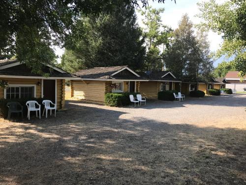 Log Cabin Motel