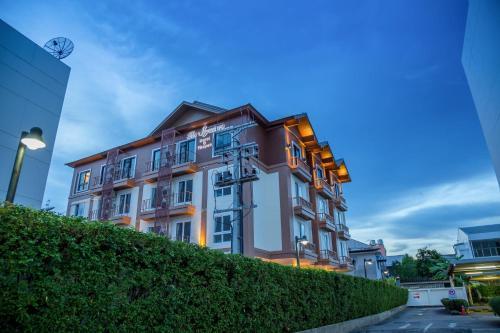 The Signature Hotel Thapae