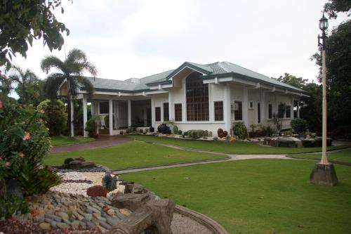 Отель Bushida Bed and Breakfast 3 звезды Филиппины