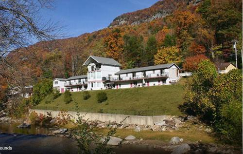 Nearby Chimney Rock Inn Cottages Carter Lodge