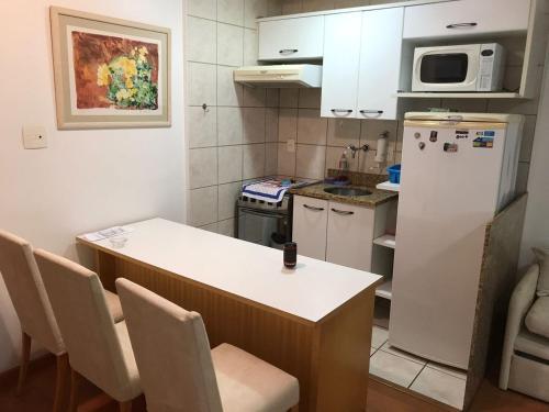 Flat em Ipanema, ao lado do metro