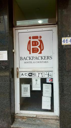 HotelBackpackers Hostel & Cocktails