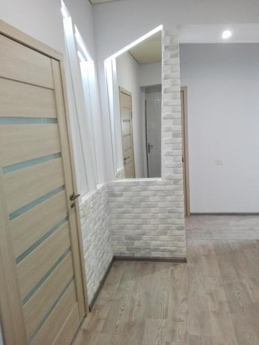 Apartment on Kryvorizhstal Street 35
