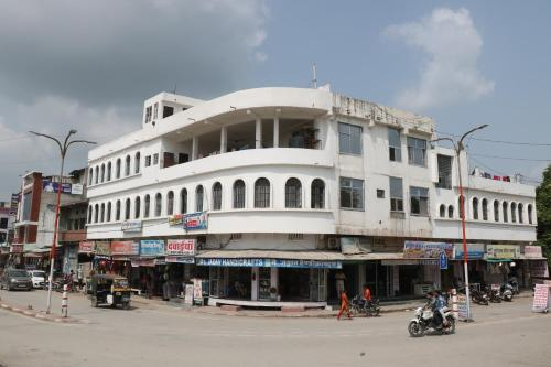 Hotel Ganesh & rastaurent