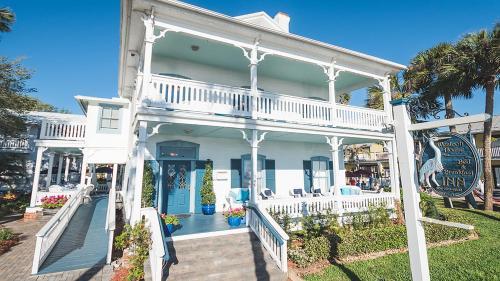 Bayfront Westcott House Bed & Breakfast