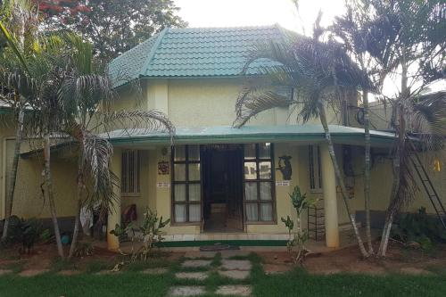 3-br Bungalow For 16, By Guesthouser