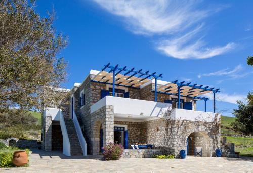 Schinoussa Guesthouse