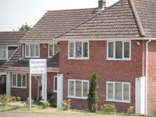 Photo of Basingstoke Lodge Hotel Bed and Breakfast Accommodation in Basingstoke Hampshire