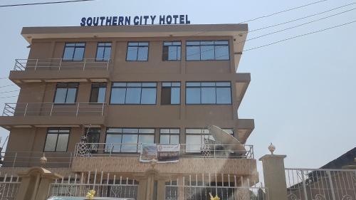 Southern City Hotel