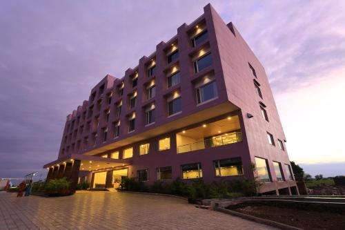 Nandan Kanan Hotel & Resort