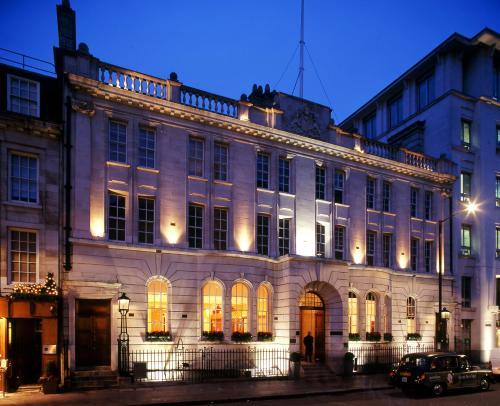 Courthouse DoubleTree By Hilton London Regent St,London
