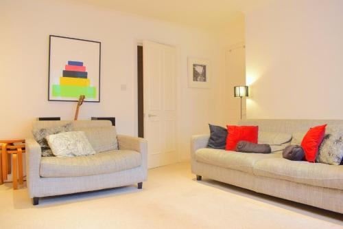 Stunning 1BD Flat with Patio
