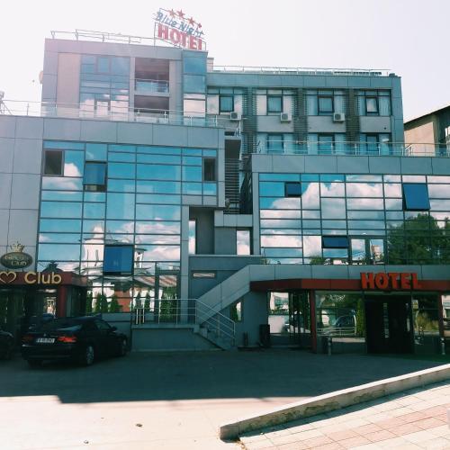 Hotel Blue Night