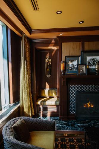 Superieur Hotel Julien Dubuque
