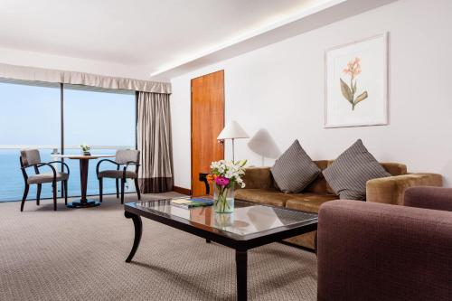 Executive Luxury Suite with Frontal Sea View