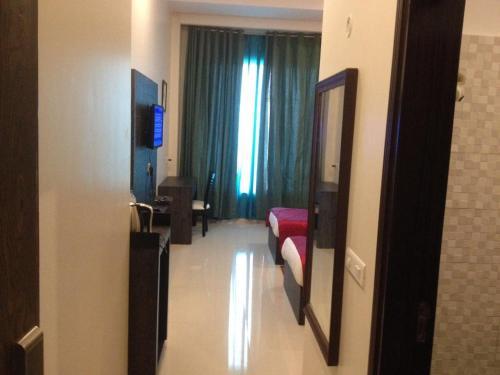 Yolo Rooms Ganaur Gt Road Sonipat