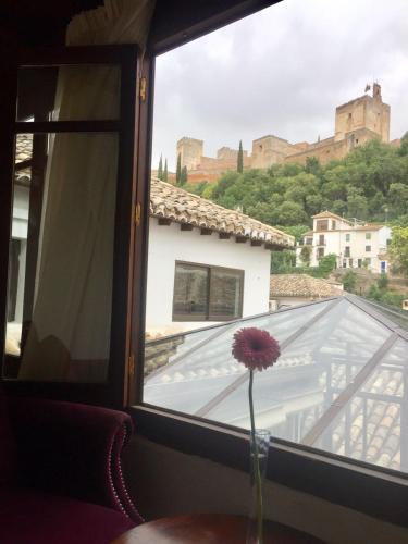 Double or Twin Room with Alhambra Views Palacio de Santa Inés 6