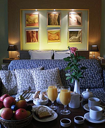 Aigai Hotel