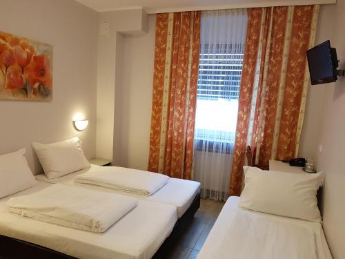Hotel Diana photo 6