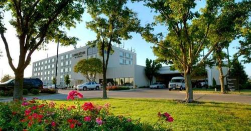 DoubleTree by Hilton Wichita Airport -  star rating for travel with kids