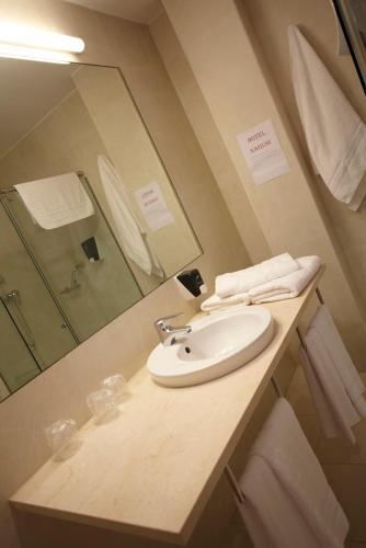 Doppel- oder Zweibettzimmer Hotel Nagusi 4