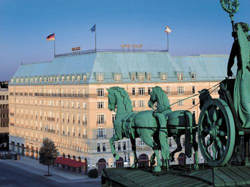 Hotel Adlon Kempinski Berlin photo 4