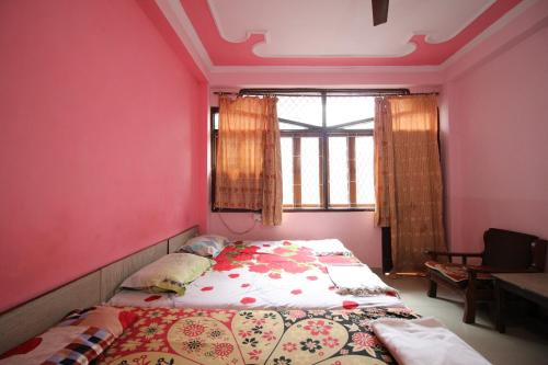 Cozy Stay near Nizamuddin Station